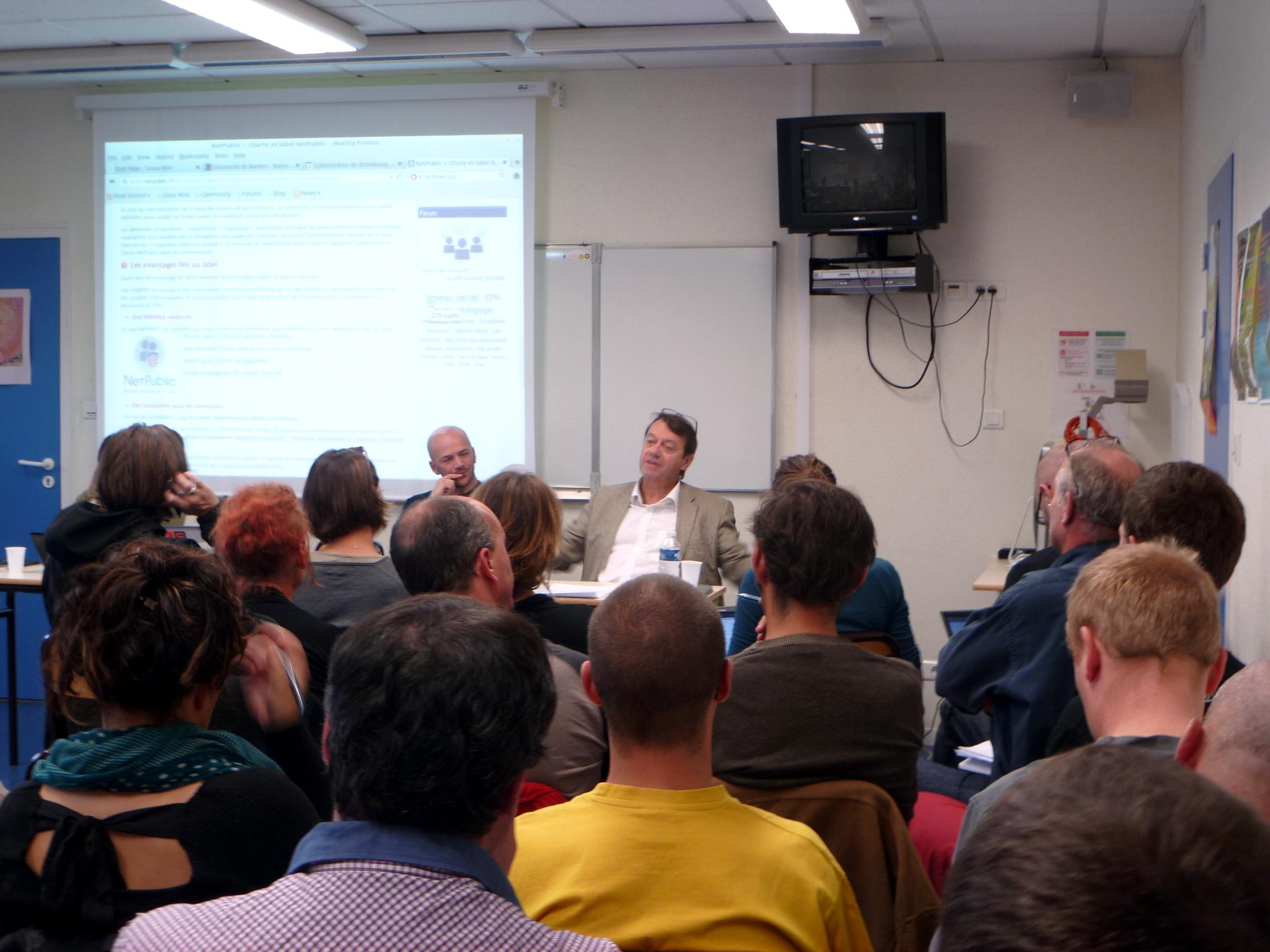 Conférence sur les espaces numériques