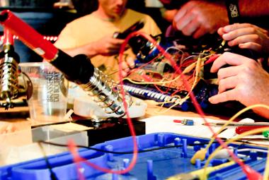 La tête dans le flux : les makers