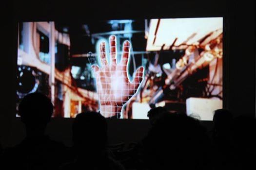 Les doigts dans la prise #6